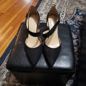 Black cross strap heel